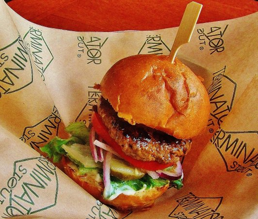 McMenamins Highland Pub and Brewery: Happy Hour Mini Cheese Burger