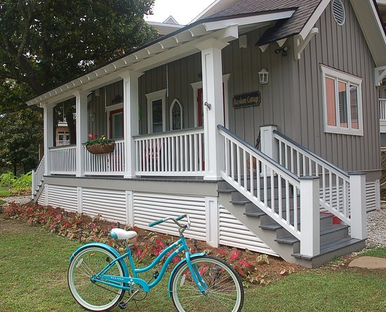 Point Clear Cottages: Bayshore Cottage
