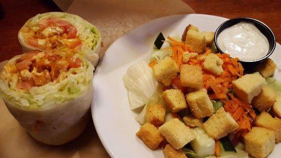 Lisle, IL: Wrap and salad
