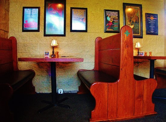Gresham, OR: The wood booths in the pub