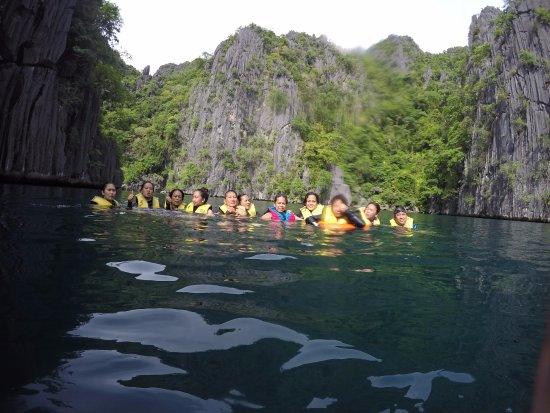 Kayangan Lake: our group