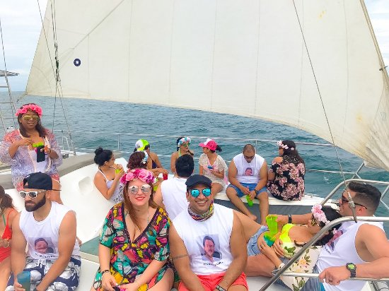 Herradura, Costa Rica: group of friends