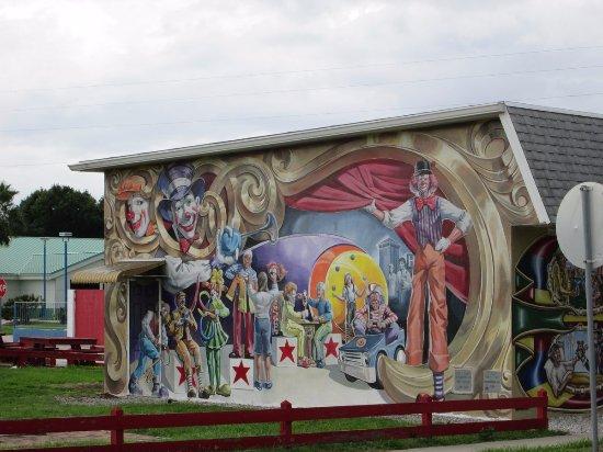 Lake Placid, FL: Honoring The Clowns