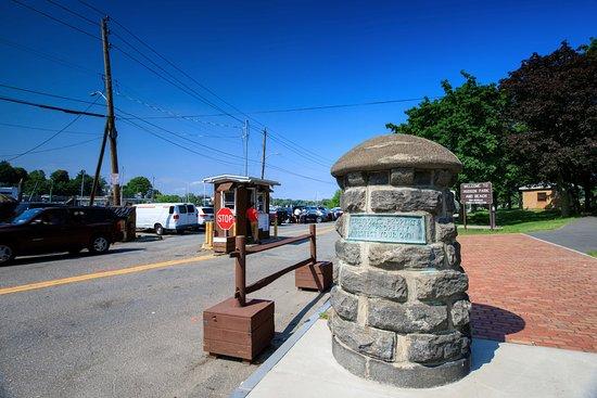 New Rochelle, NY: Entrance