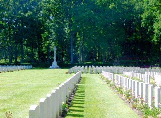 Airborne Cemetery