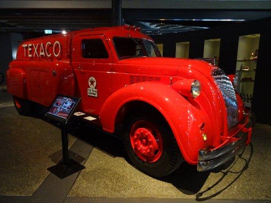 Invercargill, Nueva Zelanda: Texaco tanker - 1940s dodge
