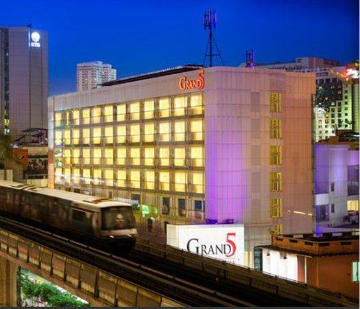 Grand 5 Hotel Plaza Sukhumvit Bangkok Reviews Photos Rate Comparison Tripadvisor