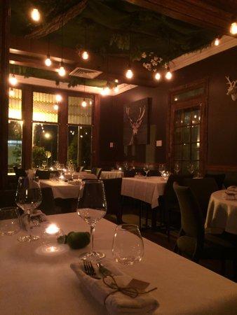 Saint-Eustache, แคนาดา: Mangez dans un décors enchanté!