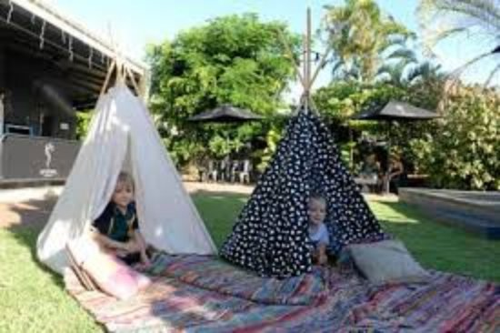 Bargara, Australia: Kids can play in the teepees