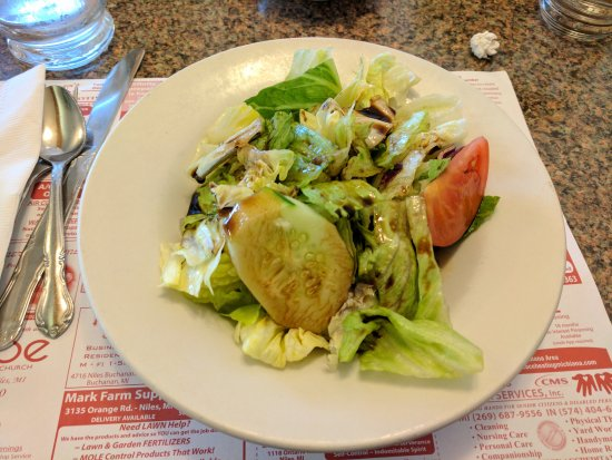 Niles, MI: House salad with balsamic vinaigrette