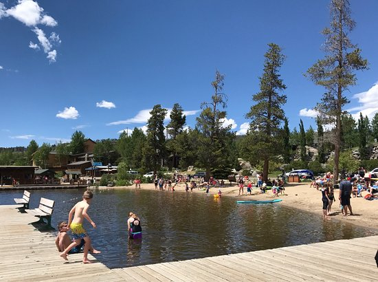 Grand Lake, CO: Late June and water was freezing but didn't stop the little ones from swimming.