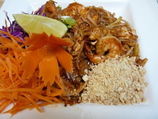 Naperville, IL: Pad thai Noodle