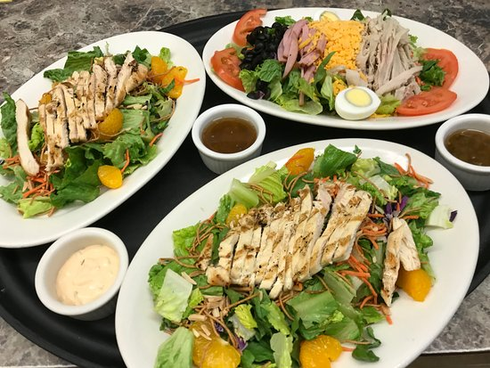 Boondockers Restaurant: Oriental Chicken Salad and Chef's Salad
