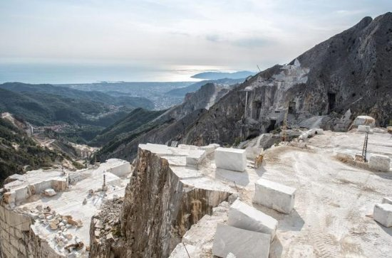 CARRARA MARBLE: discover the history...