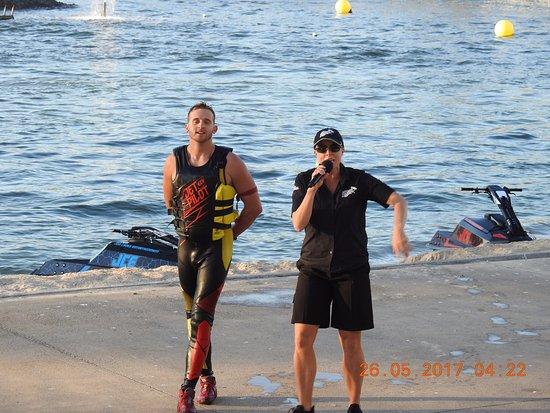 Main Beach, Australia: Jet Ski Extreme show