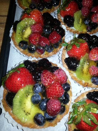 Amesbury, MA: Fresh fruit tarts