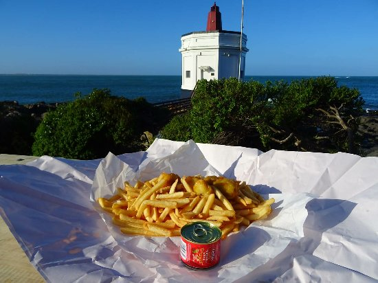 Bluff, New Zealand: Bluf oysters and chips