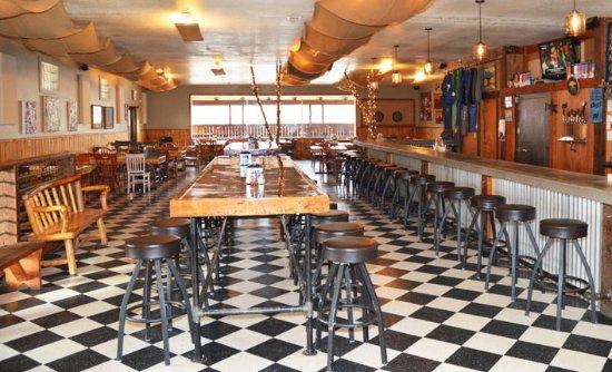 Hamilton, MT: Tasting room/dining room