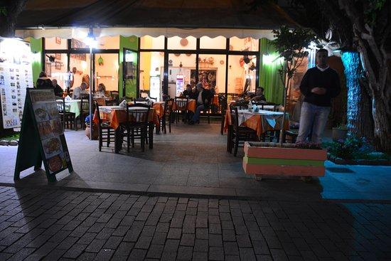 La Belle Helene: Outside tables