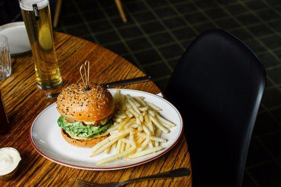Brighton, Avustralya: The classic cheeseburger