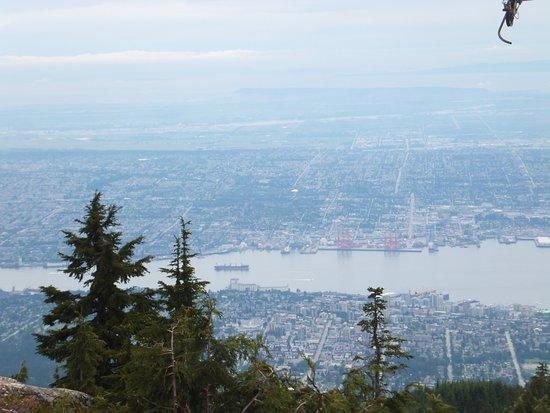 North Vancouver, Canada: هذه الصور من اعلى قمة الجبل