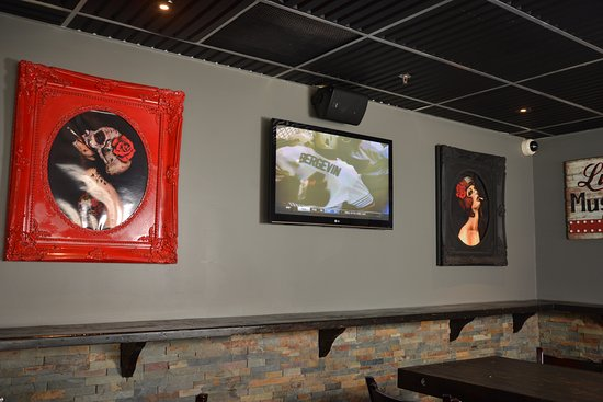 The Rad Brothers Sportsbar and Taphouse: Rad Art.