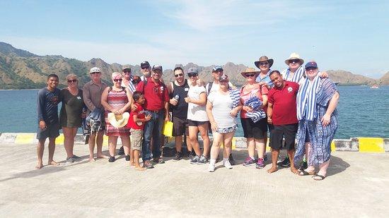 East Nusa Tenggara, Indonezja: Komodo Dragon and our team work