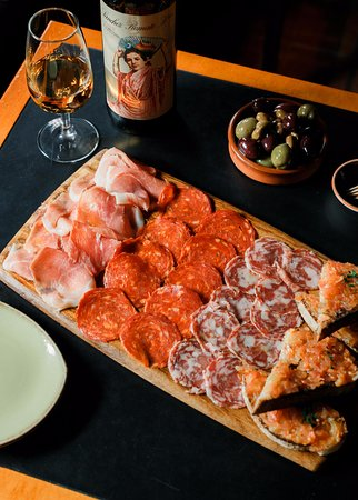 Collingwood, Australia: Our selection of Spanish cured meats with tomato bread