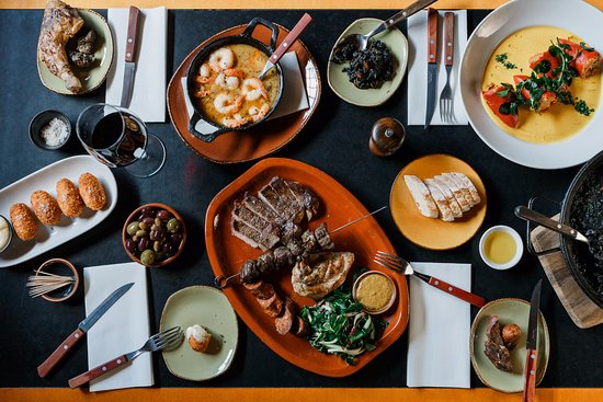 Collingwood, Australia: Feasting at the Robert Burns Hotel