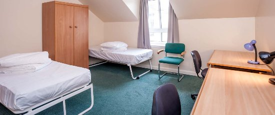 Euro Hostel Edinburgh Halls Triple Room