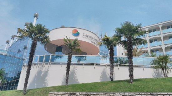 Hotel Laguna Gran Vista: pohľad na hotel z parkoviska