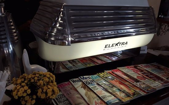 Randburg, Южная Африка: Our pride and joy - Retro Elektra Barlume - one of the reasons for our delicious coffee