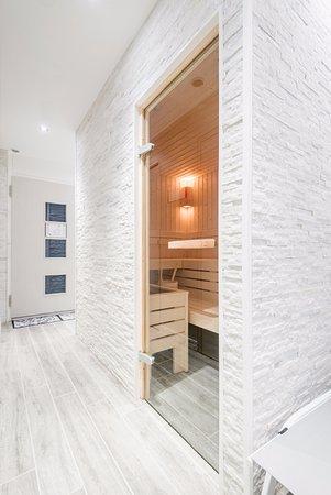 Champery, Szwajcaria: Notre sauna et douche sensorielle