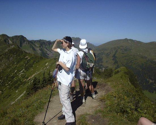 Hirschegg, Austria: Bergwandern über Grenzen hinweg