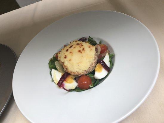 Mamoudzou, Mayotte : salade de chèvre