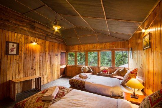 Mangan, India: The single cottage room