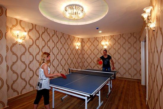 Fitness bild fr n grand zaman beach alanya tripadvisor for Table tennis 99