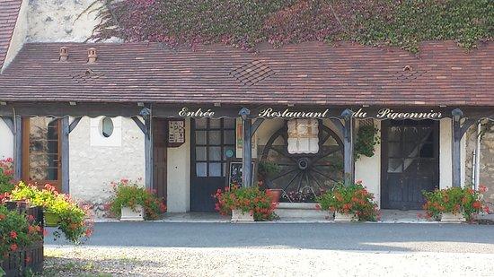 Saint-Martin-le-Beau, Francia: restaurant troglodyte