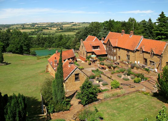 Chipping Norton, UK: Heath Farm Holiday cottages set in stunning Cotswold location