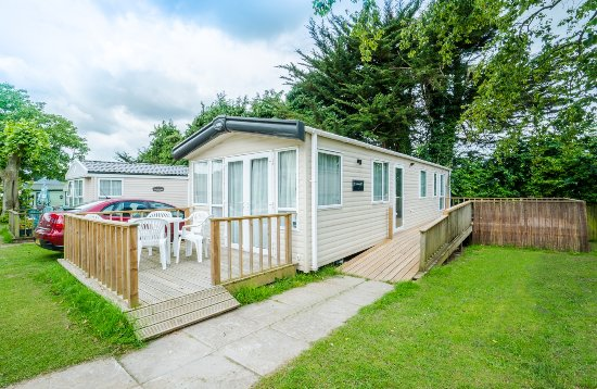 Dalwood, UK: Luxury holiday caravans to hire with hot tubs