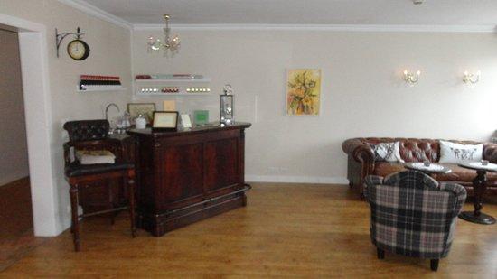 "Northern Light Inn: The ""honest bar"""
