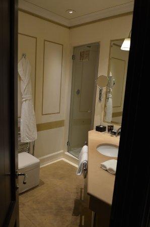 salle de bains - picture of relais santa croce, florence - tripadvisor - Image Salle De Bains