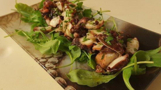Salade de poulpe, ail et persil