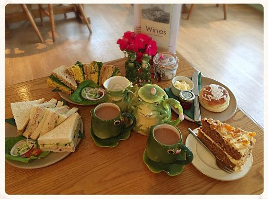 Horsham, UK: Our wonderful Frog Tea for Two
