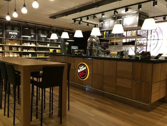 Quetigny, France: L'entrée au Caffè Vergnano :p