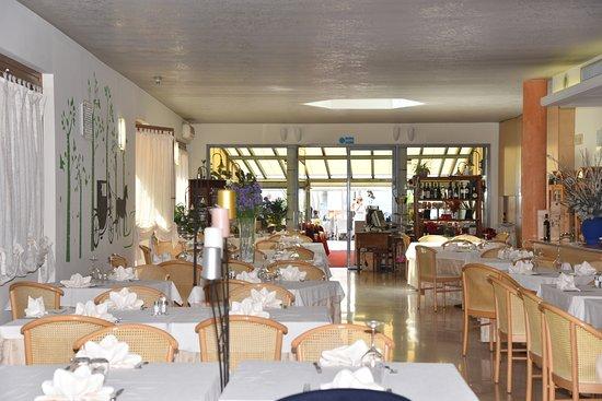 Hotel Ristorante Miralago: sala interna