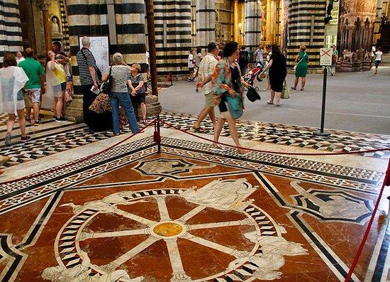 Siena, Italy: Recorriendola
