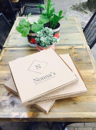 Doorn, The Netherlands: Bij Nonna's kun je pizza's afhalen.