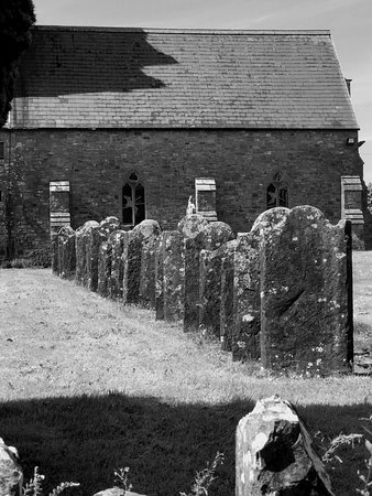 Multyfarnham, Ирландия: graveyard and church