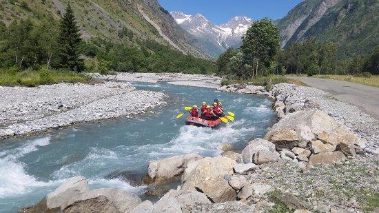 Saint-Leger-les-Melezes, France: Activité : Canyoning et sports d'eaux vives